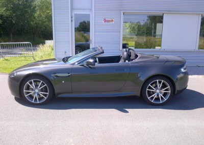 Aston Martin Vantage Roadster - 420ch