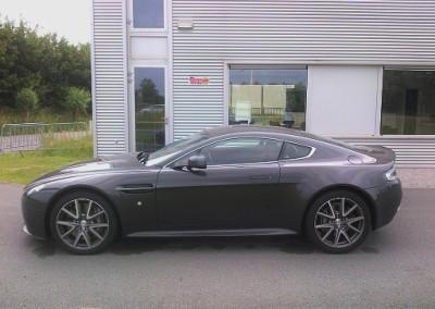 Aston Martin Vantage V8 - 420ch